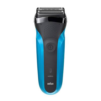 6. Braun Men's Electric Razor, Wet & Dry Shaver