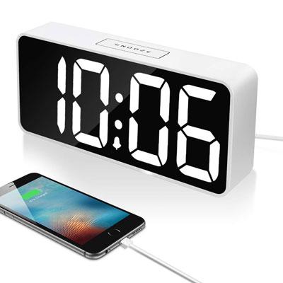 #6. LEIQI Digital Alarm Clock with USB Port