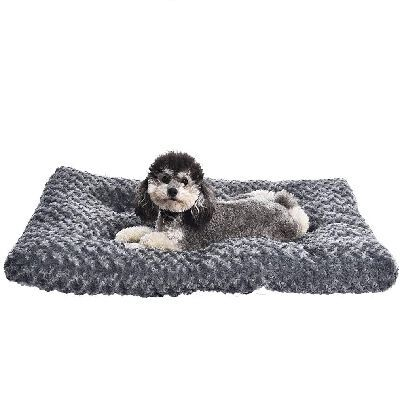 10. AmazonBasics 35'' Ultra-Soft Pet Machine Washable Plush Comfortable Bed Pad