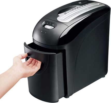 8. KODAK 8 Sheet Paper Shredder, Less Dumping Mess!