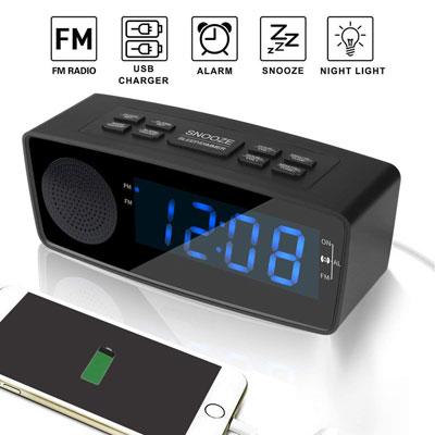 #2. WOODMUSIC Digital Alarm Clock with USB Port