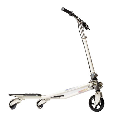 1. MSKI Semi-Patented Tilting Scooters with a Detachable Handlebar and a Self-Propelling Speeder